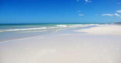 Playa Cancunito una de las playas virgenes de Yucatán